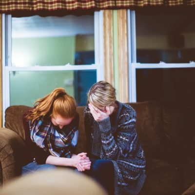 What You Need to Know About Comforting a Friend Who is Having a Miscarriage